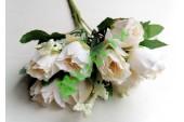 Розочки Боттичелли в букете белые