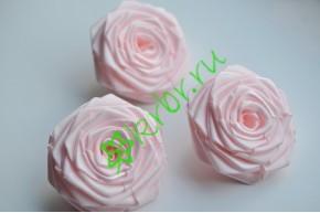 Роза из атласной ленты большая нежно-розовая, шт.