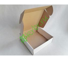 Подарочная коробка самосборная Белая 33х31х9 см, шт