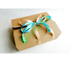 Подарочная коробка фигурная средняя 20х15х6,5 см, шт