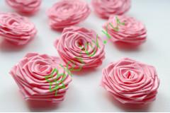 Роза из атласной ленты малая розовый атлас, шт.
