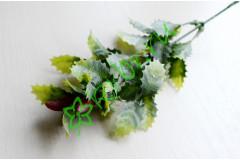 Ветка падуба зеленая с напылением, шт