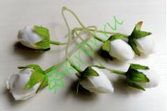 Бутончик розы на ножке двойной белый