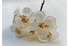Букетик декоративный белый