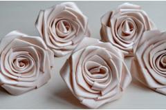 Роза из атласной ленты большая кремовая, шт.