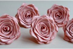 Роза из атласной ленты малая розовая пудра, шт.
